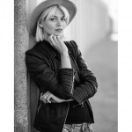 Model Louisa in Karlsrihe, Iryna Mathes People Photography. Streetlife Fotografie